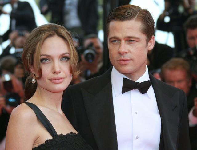 3 năm sau, anh tiếp tục xuất hiện ở LHP Cannes bên người đẹp Angelina Jolie. Cả hai có cảm tình kể từ thời điểm cùng tham gia đóng chung phim Mr & Mrs Smith.