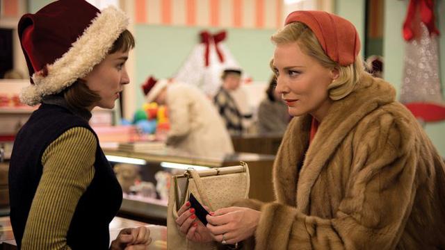 Cate Blanchett trong một cảnh phim Carol. Liệu Carol có gặt hái thành công tại Quả cầu vàng 2016 hay cũng sẽ giống như Cannes 2015 - đầy dấu ấn nhưng không thành công về giải thưởng? (Ảnh: The Hollywood Reporter)