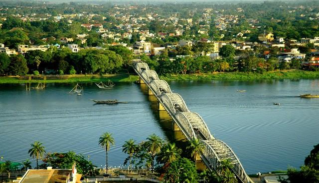 Huế - địa điểm thu hút khách du lịch quốc tế (Ảnh: Báo Thừa Thiên Huế)