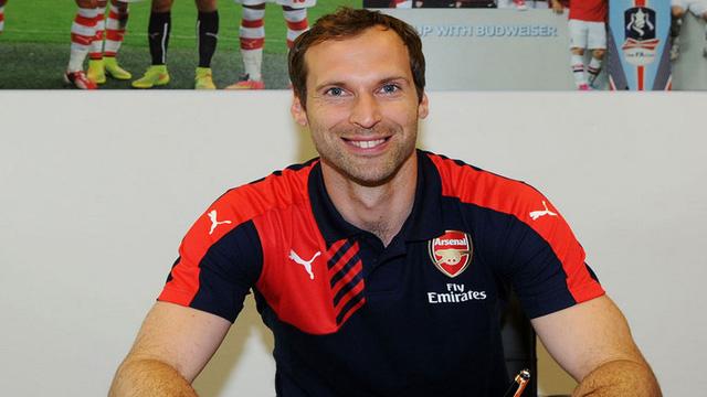 Cech nhận được sự đồng cảm từ Drogba khi quyết định sang chơi cho kình địch Arsenal