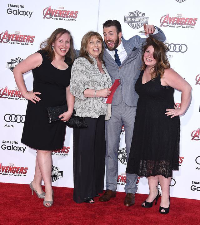 Hình ảnh nhí nhố của nam diễn viên Chris Evans - người thủ vai Captain America