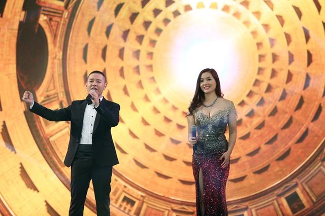 2 giọng ca đến từ Sao Mai Điểm hẹn 2006 - Hoàng Hải và Nguyễn Ngọc Anh. Cặp đôi ca sĩ thể hiện ca khúc The prayer.