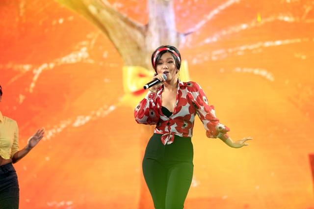 Phương Vy là một trong những tên tuổi thành công từ chương trình tìm kiếm tài năng Vietnam Idol.