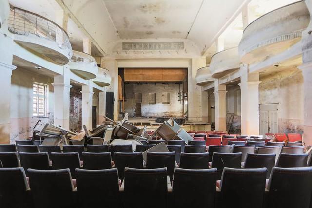 Nhà hát bỏ hoang ở Bulgaria