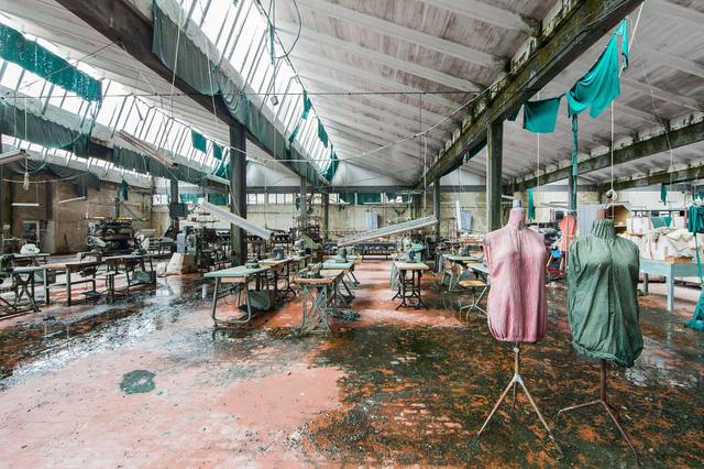 Trong một công xưởng bỏ hoang ở Italy