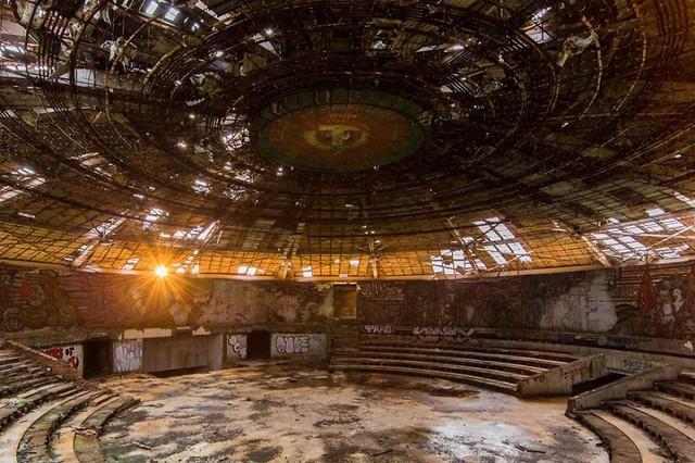 Không gian bị bỏ hoang trong trung tâm Quốc hội cũ ở Bỉ