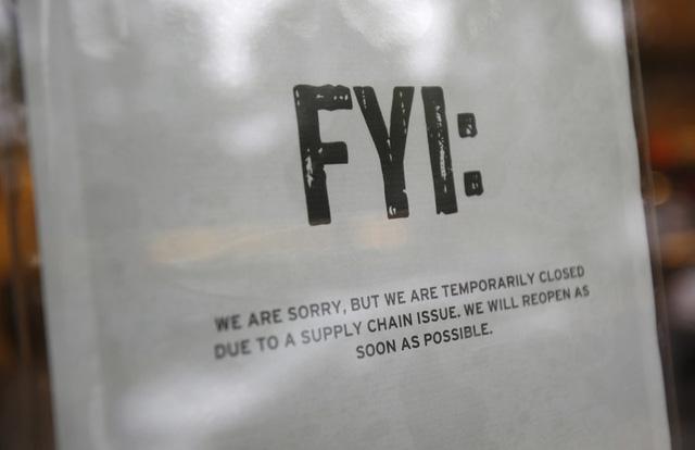 Thông báo đóng cửa của một cửa hàng của nhà hàng Chipotle tại Seattle.