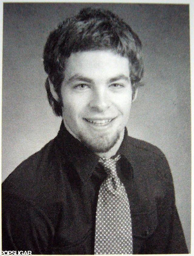 Chắc Chris Pine sẽ phải đỏ mặt khi nhìn lại chòm râu dê của mình thời trẻ.