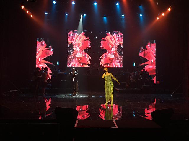 Uyên Linh sẽ thể hiện 3 ca khúc trong đêm Chung kết. Đó là Khoảng trông của tác giả Linh Lan, Như giọt sương rơi của Phạm Hải Âu và Có đôi khi của Trần Nhật Hà.