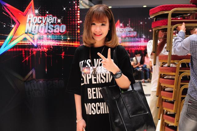 Lê Hải Yến - cô học trò của HLV Thu Phương trong chương trình Giọng hát Việt 2015. Trước khi tham gia chương trình, Hải Yến là gương mặt khá nổi trong cộng đồng mạng vởi nickname Yến Tatoo