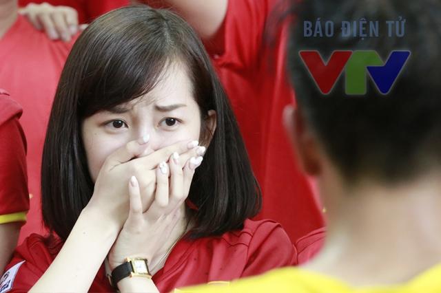 Những giọt nước mắt đã lăn trên khuôn mặt những CĐV Việt Nam