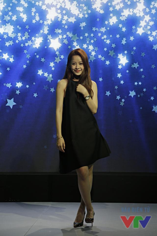 Từ một hot girl được giới trẻ yêu mến, Chi Pu đã dần lấn sân sang lĩnh vực ca hát và diễn xuất. Bộ phim mới ra mắt của cô nàng mang tên Yêu đã được khán giả đón nhận nồng nhiệt.