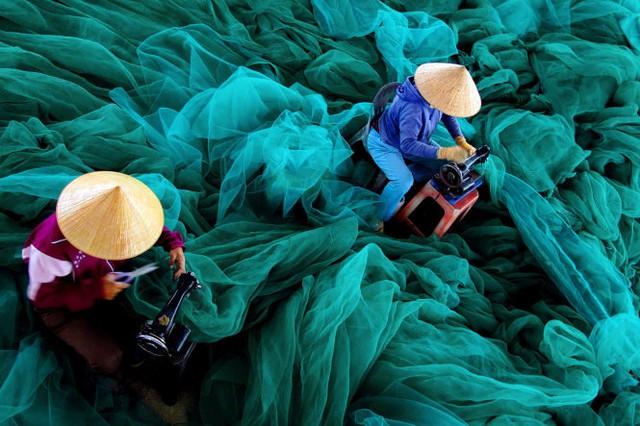 May lưới đánh cá, Việt Nam - tác phẩm đoạt giải Khuyến khích - Ảnh: Loc Mai