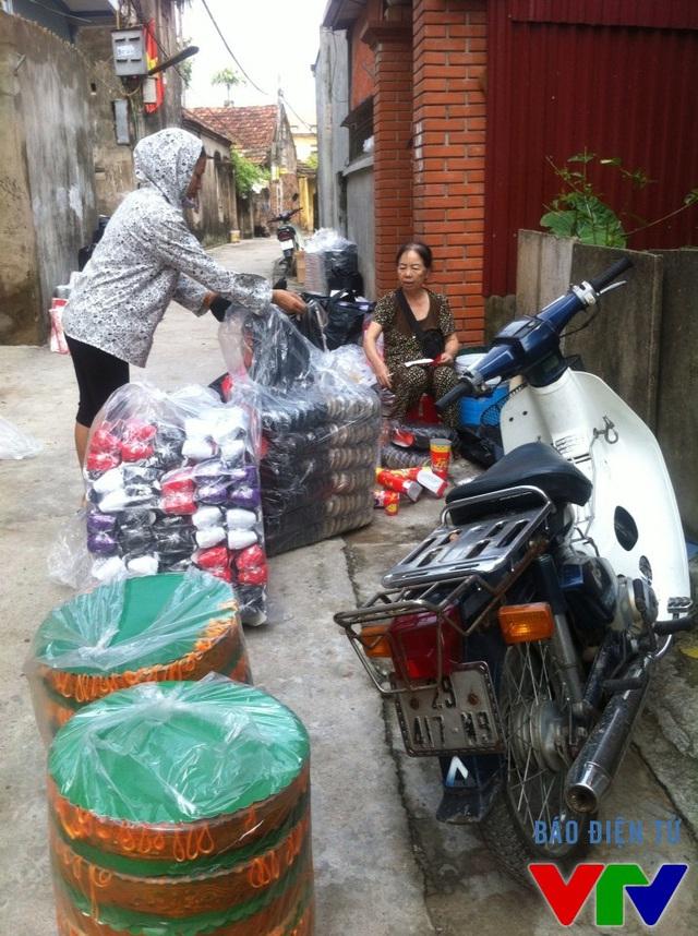 Hàng hóa hoàn thành đang chờ xuất kho, phục vụ thị trường Hà Nội và nhiều tỉnh lân cận