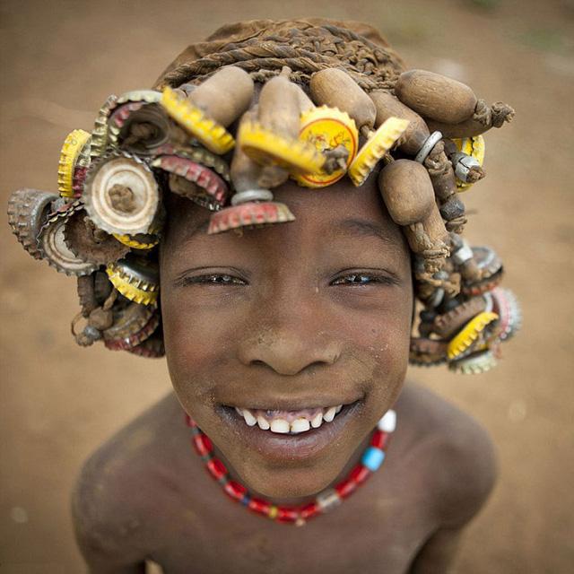 Mái tóc khá đơn giản của trẻ em