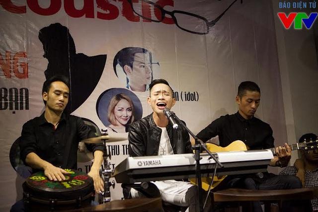 Đăng Quang The Voice cháy hết mình trong đêm nhạc.