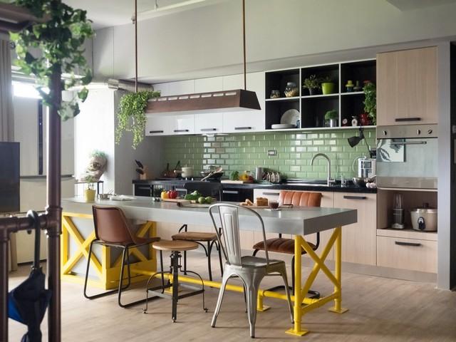 Phòng bếp sử dụng những gam màu tươi sáng