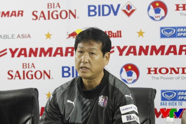 HLV Cerezo Osaka chia sẻ trong cuộc họp báo sau trận.