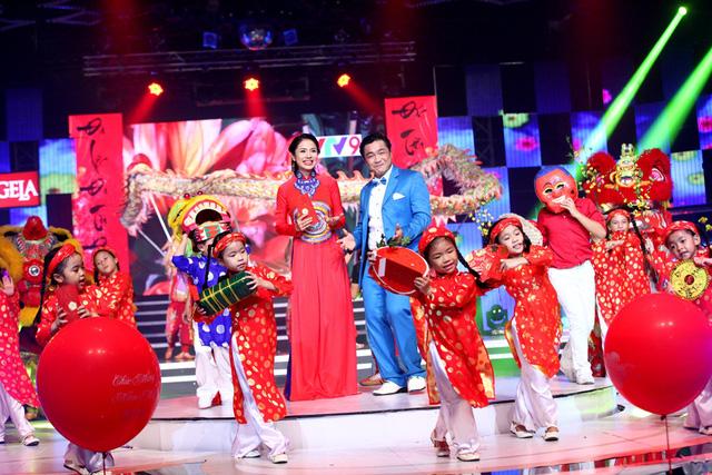 Sân khấu rực rỡ của Hương Tết Việt