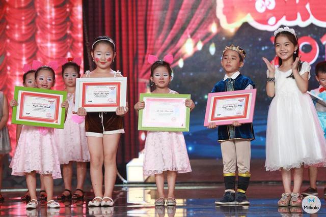 Đội Rê nhận giải Đội đoàn kết nhất.