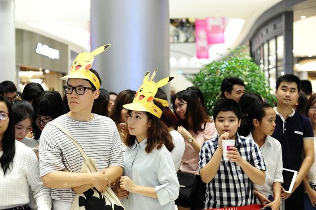 Người hâm mộ háo hức chờ đợi sự xuất hiện của những chú Pikachu dễ thương