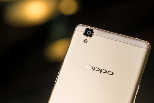 OPPO R7s sở hữu camera sau có độ phân giải 13MP