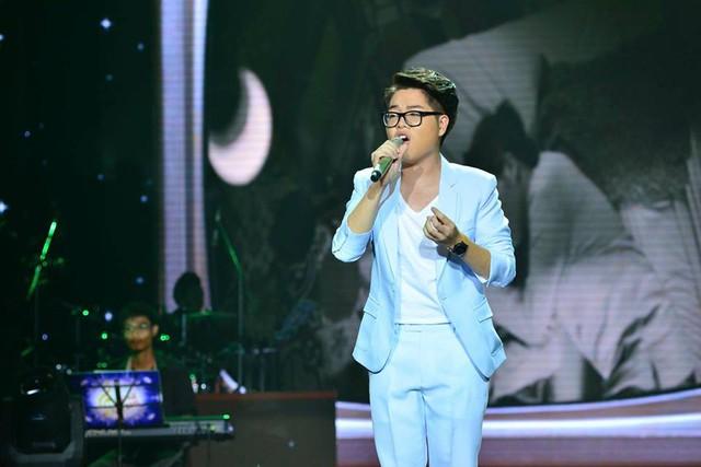 MV Chỉ một câu được ví như viên gạch đầu tiên của Đức Phúc trên con đường ca hát - sau khi giành chiến thắng cao nhất tại chương trình Giọng hát Việt 2015.