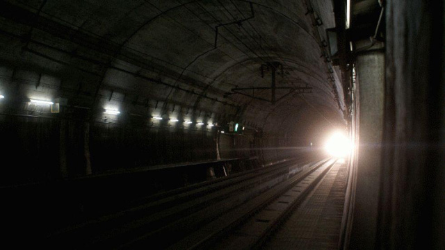 Đường hầm Seikan ở Nhật Bản được xây dựng để đảm bảo an toàn cho những người đi giữa hai đảo Honshu và Hokkaido. Sự bí ẩn của nó cũng gây tò mò với nhiều người.