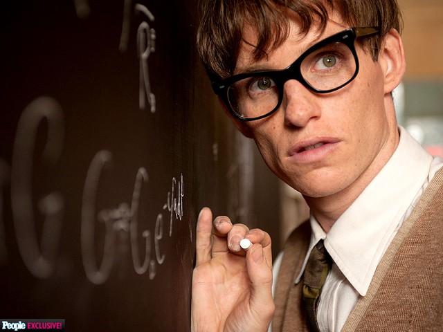 Vai diễn Stephen Hawking đã mang lại cho Eddie Redmayne một tượng vàng Oscar dành cho Nam diễn viên chính xuất sắc nhất.