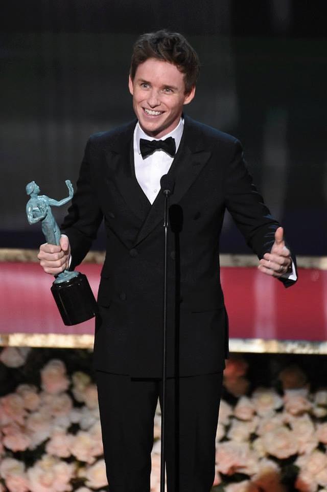 Eddie Redmayne nhận giải Nam diễn viên chính xuất sắc nhất (ảnh: SAG)