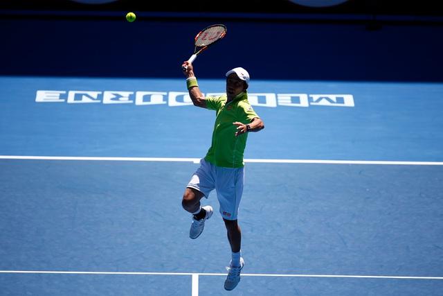 Muôn kiểu tránh nóng của khán giả cũng là để chờ được theo dõi những màn trình diễn đỉnh cao của các tay vợt hàng đầu thế giới.