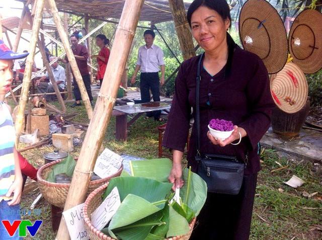 Xôi lá cẩm tím - nét độc đáo của dân tộc vùng cao