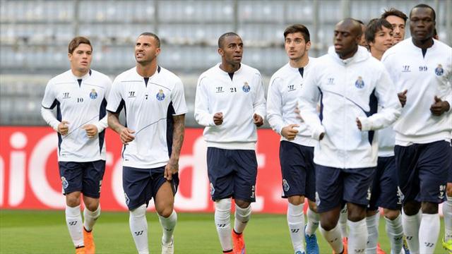 FC Porto đang nổ lực tập luyện trước khi làm khách tại Hang hùm.