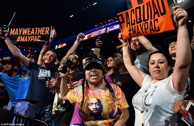 CĐV của Mayweather và Pacquiao tại MGM Grand Garden Arena.