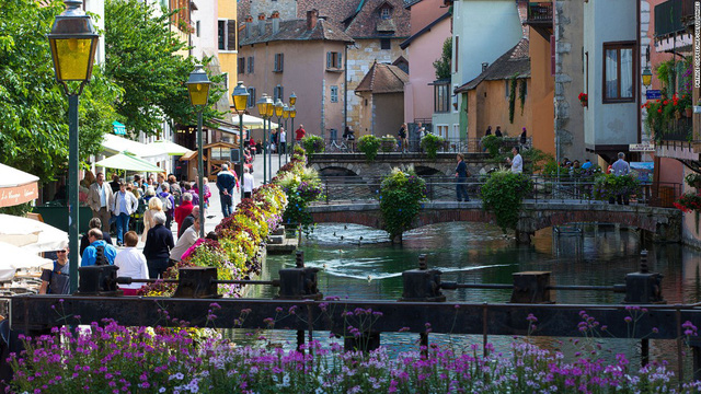 Annecy - Venice thu nhỏ trong lòng nước Pháp