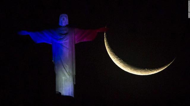 Tượng Chúa cứu thế ở Rio de Janeiro (Brazil)