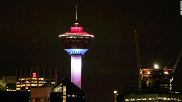 Tháp Calgary ở Alberta (Canada)