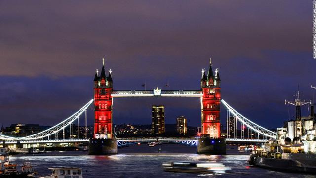 Cầu Tháp ở London (Anh)