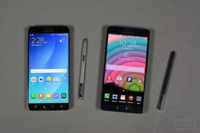 Galaxy Note 4 (trái) và Galaxy Note 5 (phải)