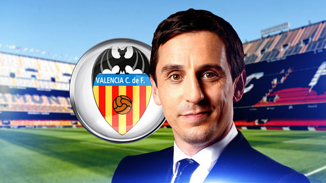Gary Neville sẽ chào sân Mestella trên khán đài trong trận gặp Barcelona