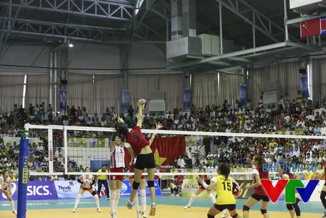 Các tay đập của Việt Nam thi đấu bùng nổ ở set thứ 2