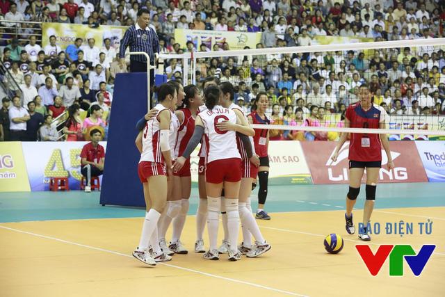 Các cô gái của ĐT CHDCND Triều Tiên đã có chiến thắng thuyết phục 3-1 để giành vị trí thứ 3 chung cuộc