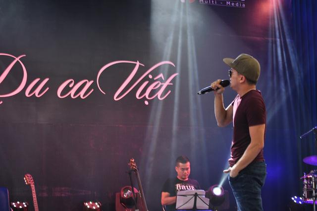 Ca sĩ Cao Thái Sơn trở về từ Mỹ để tham gia Du ca Việt (ảnh: Như Thinh)