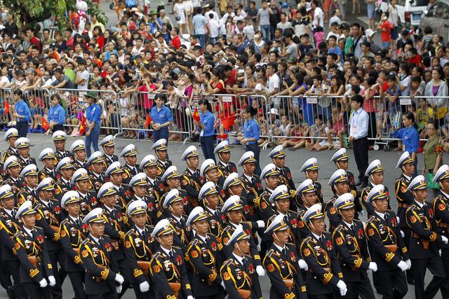 Quang cảnh buổi Lễ diễu binh, diễu hành mừng 70 năm Quốc khánh đã để lại dấu ấn nhiều cảm xúc trong lòng người dân.