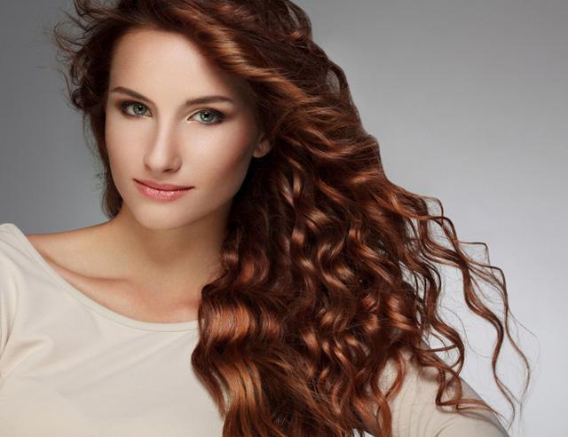 Mái tóc sẽ trở nên dày và bóng khỏe hơn chỉ với những chiêu đơn giản.