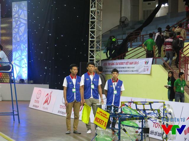Đội tuyển HCEET 5 đến từ Cao đẳng Điện tử Điện lạnh Hà Nội