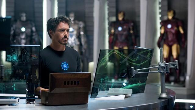 Nhân vật Tony Stark gây ấn tượng với khán giả với những thiết bị sử dụng công nghệ màn hình trong suốt