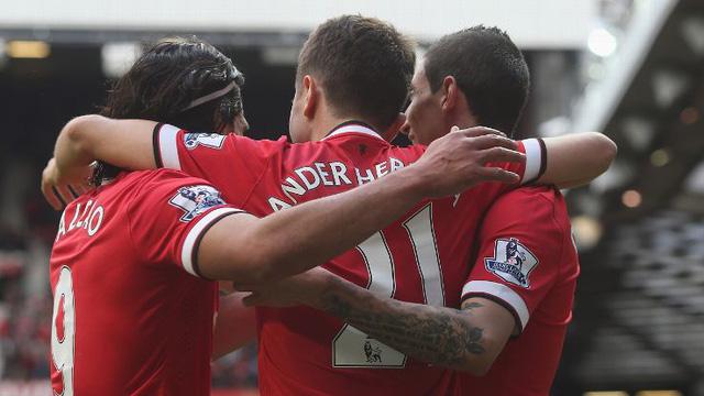 Herrera lập cú đúp giúp Man Utd giành chiến thắng trước Aston.