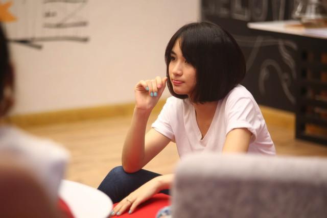 Hòa Minzy chia sẻ cùng các học viên mới của Học viện ngôi sao 2015