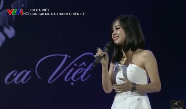 Hoàng Quyên trong đêm nhạc Du ca Việt ở quê hương Thái Nguyên.